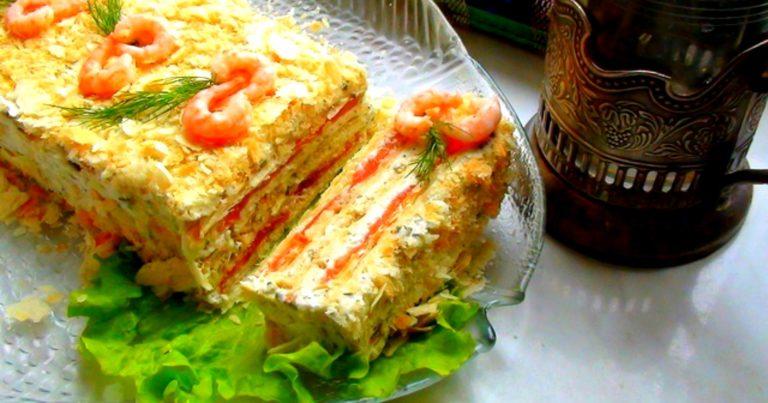 Закусочный торт из крекеров и рыбных консервов